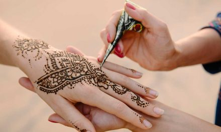 Comment faire le tatouage au henné