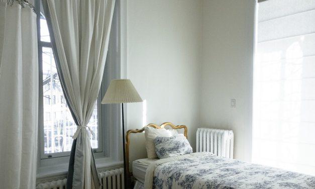 Comment nettoyer les rideaux efficacement ?