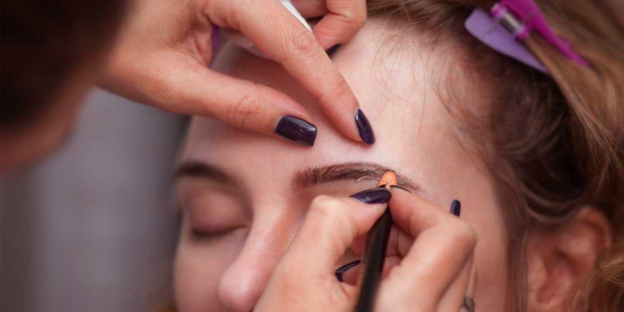 Comment conserver le maquillage pour les yeux: astuces pour les produits de beauté permanents