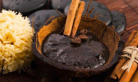 Comment faire un gommage de corps au café