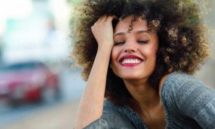 Comment garder le contrôle des cheveux crépus