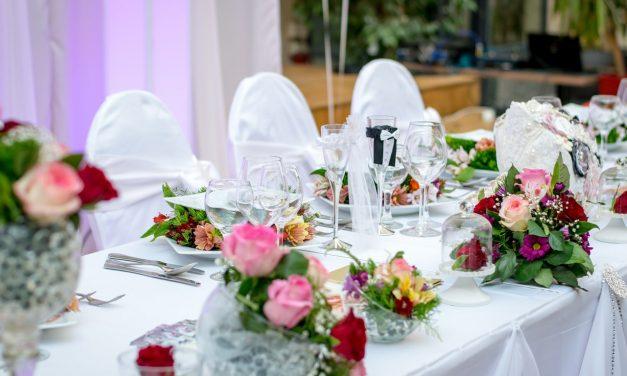 Comment choisir la déco de votre housse de chaise de mariage ?