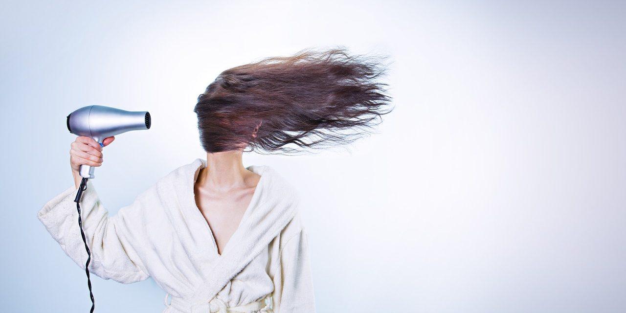 Comment bien choisir son sèche-cheveux?