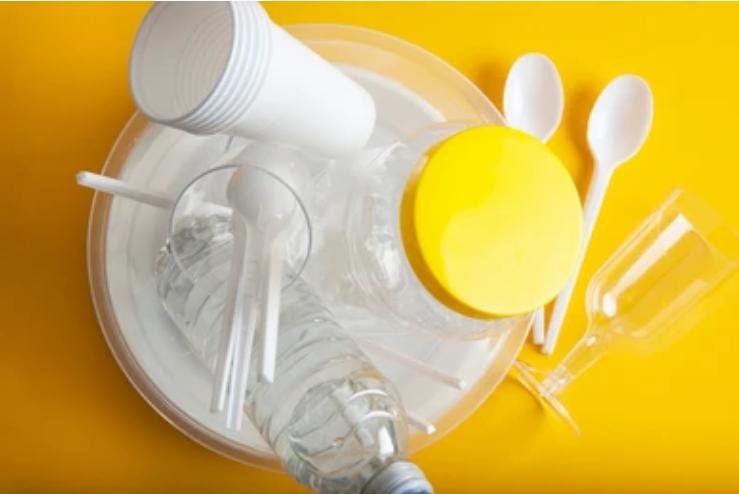 Comment choisir une vaisselle jetable pour ses évènements?